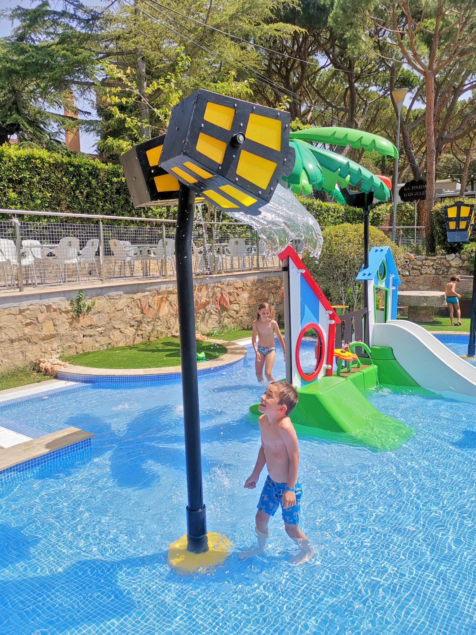 Camping con piscina en Costa Brava